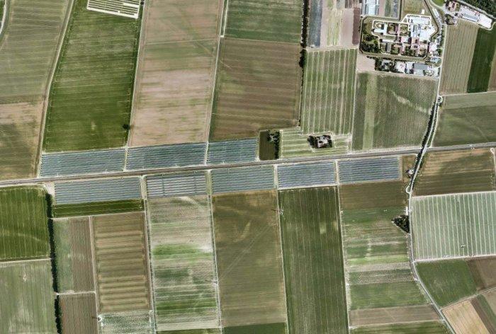 Luftbild mit Anlage